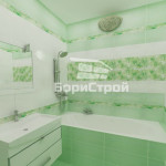 Дизайн ванны в бирюзовых и белых цветах